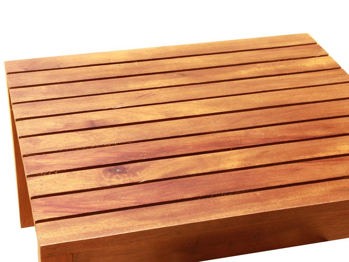 Mesa De Centro Ripada Fabricada em Madeira De Demolição Medindo 65x65x35cm