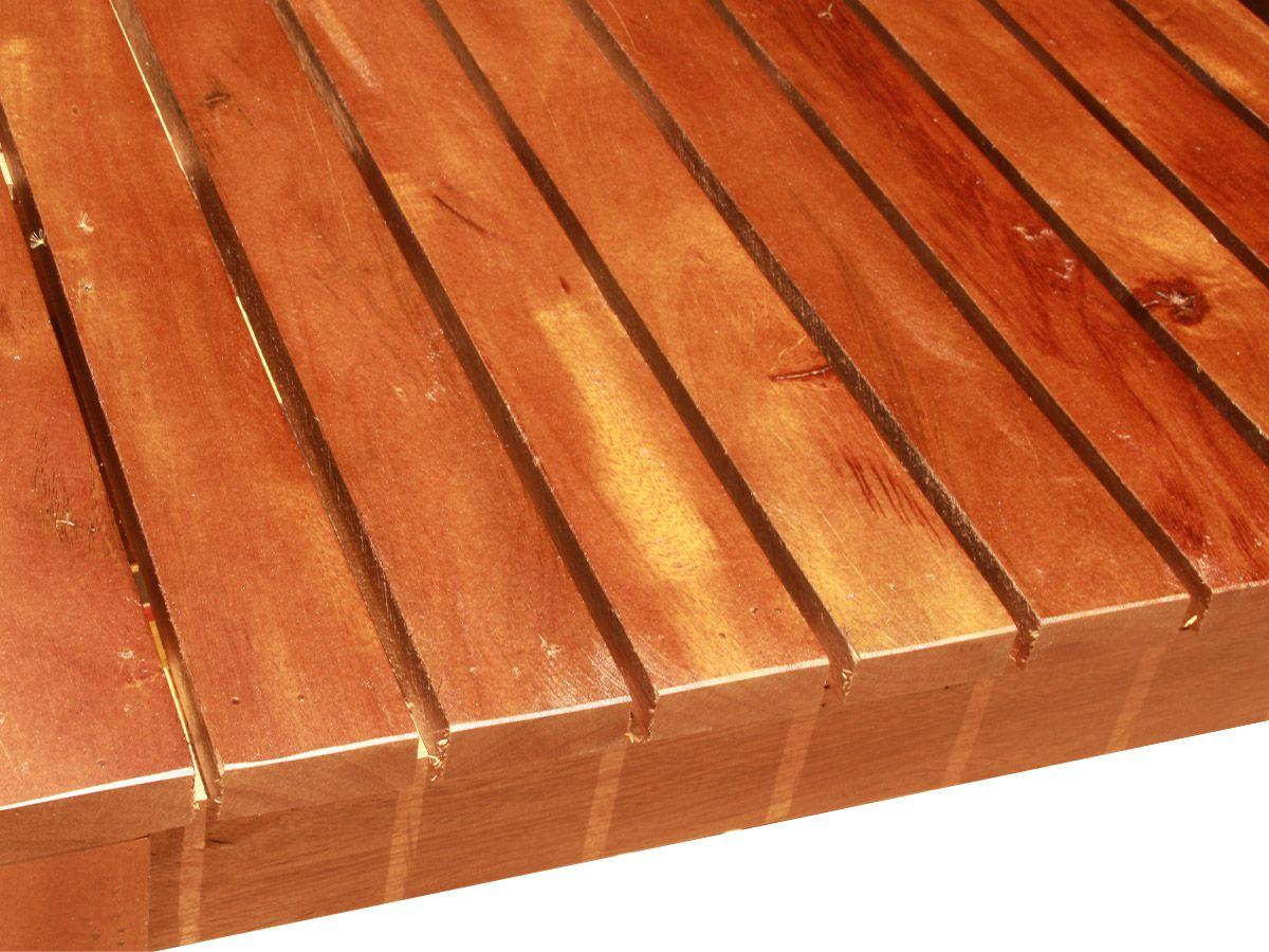 Mesa De Centro Ripada Fabricada em Madeira De Demolição 80x80x35cm