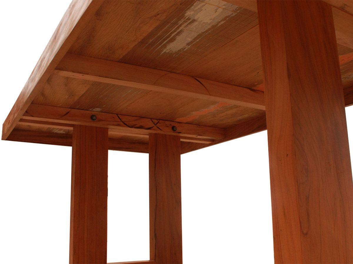 Mesa De Jantar Retangular Pés Vazados Fabricada em Madeira de Demolição Medindo 180x100x78cm