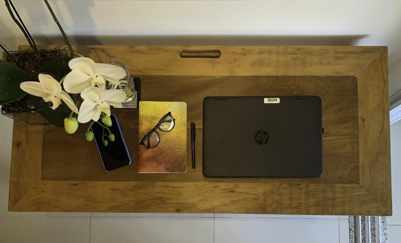 Mesa Escrivaninha Home Office Em Peroba de Demolição 1,20m(C) x 0,40m(P) x 0,75m(A)