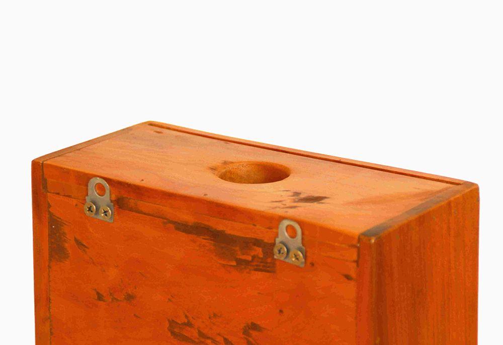 Porta Rolhas Em Madeira Maciça de Demolição Medindo 35X20X10