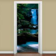Adesivo de Porta Cachoeira na Mata Verde