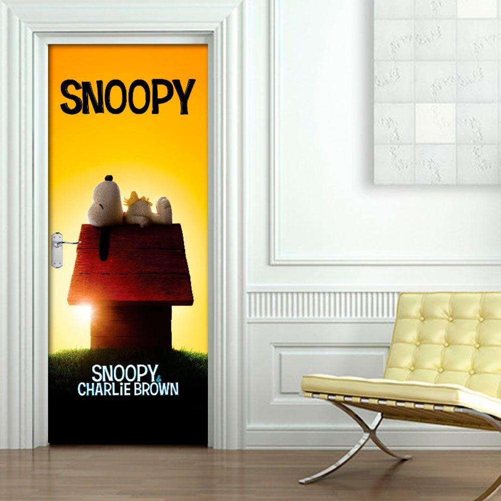 Adesivo de Porta Snoopy na Casa