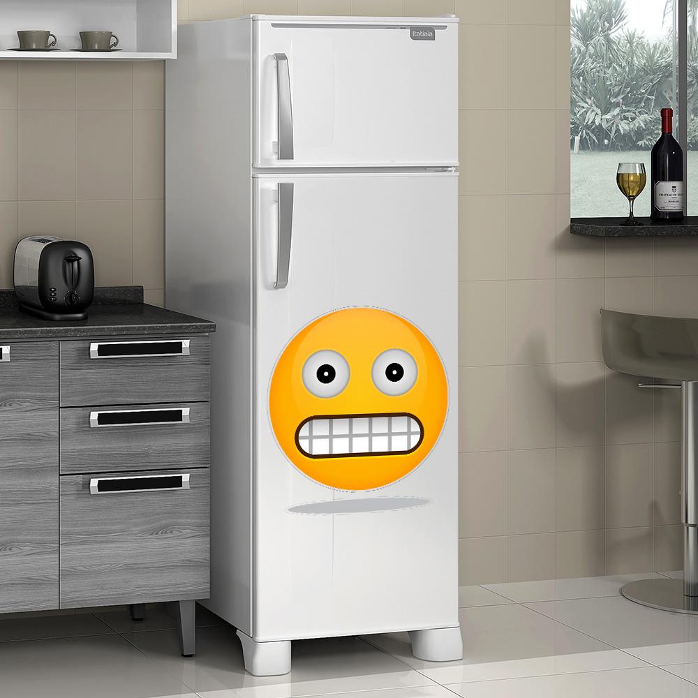 Adesivo de Geladeira Emoji Sorrindo Olhos Fechados