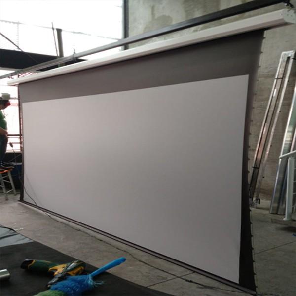 Tela de Projeção Elétrica Tensionada High Contrast 92'' Formato Widescreen 16:9 com Controle Remoto