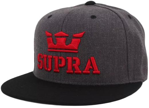 Boné Snapback Supra Cinza com Logo Vermelho e Aba Preta