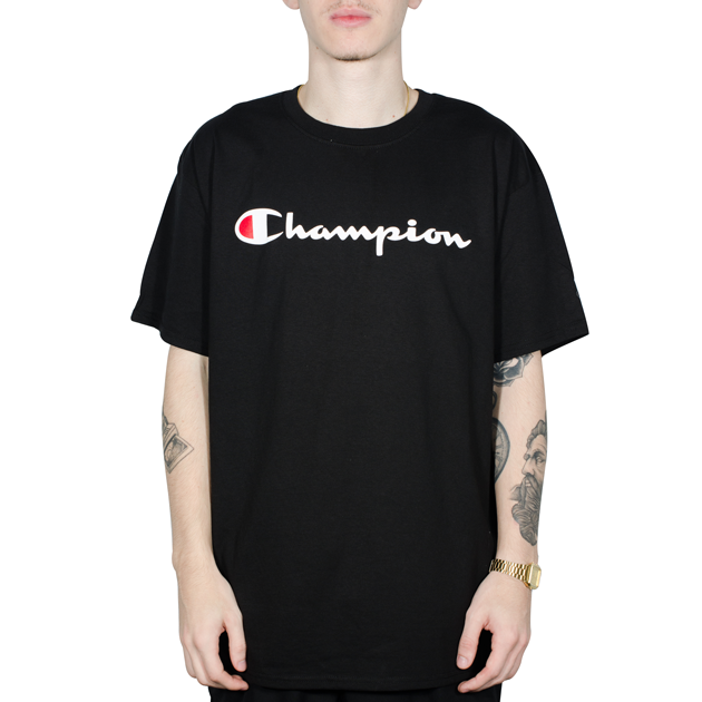 Camiseta Champion Logo Silk Manuscrito Preta