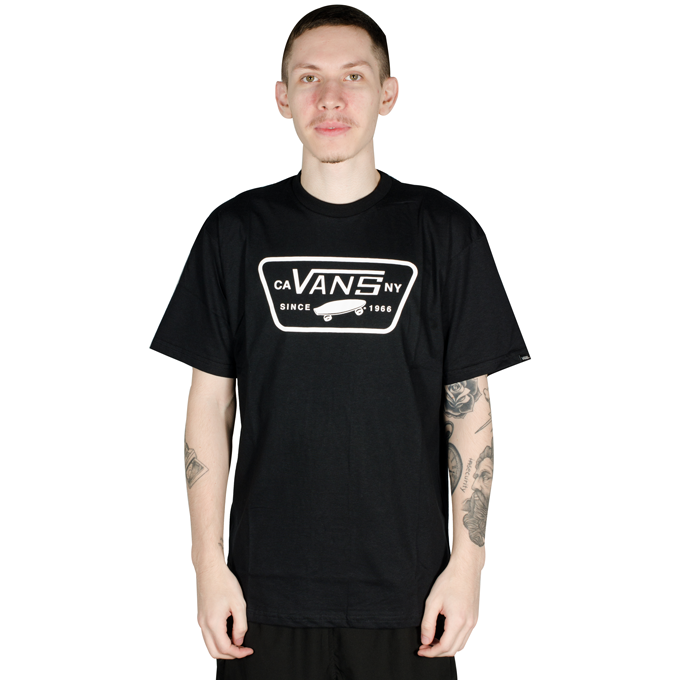 Camiseta Vans Classic Full Patch Preta