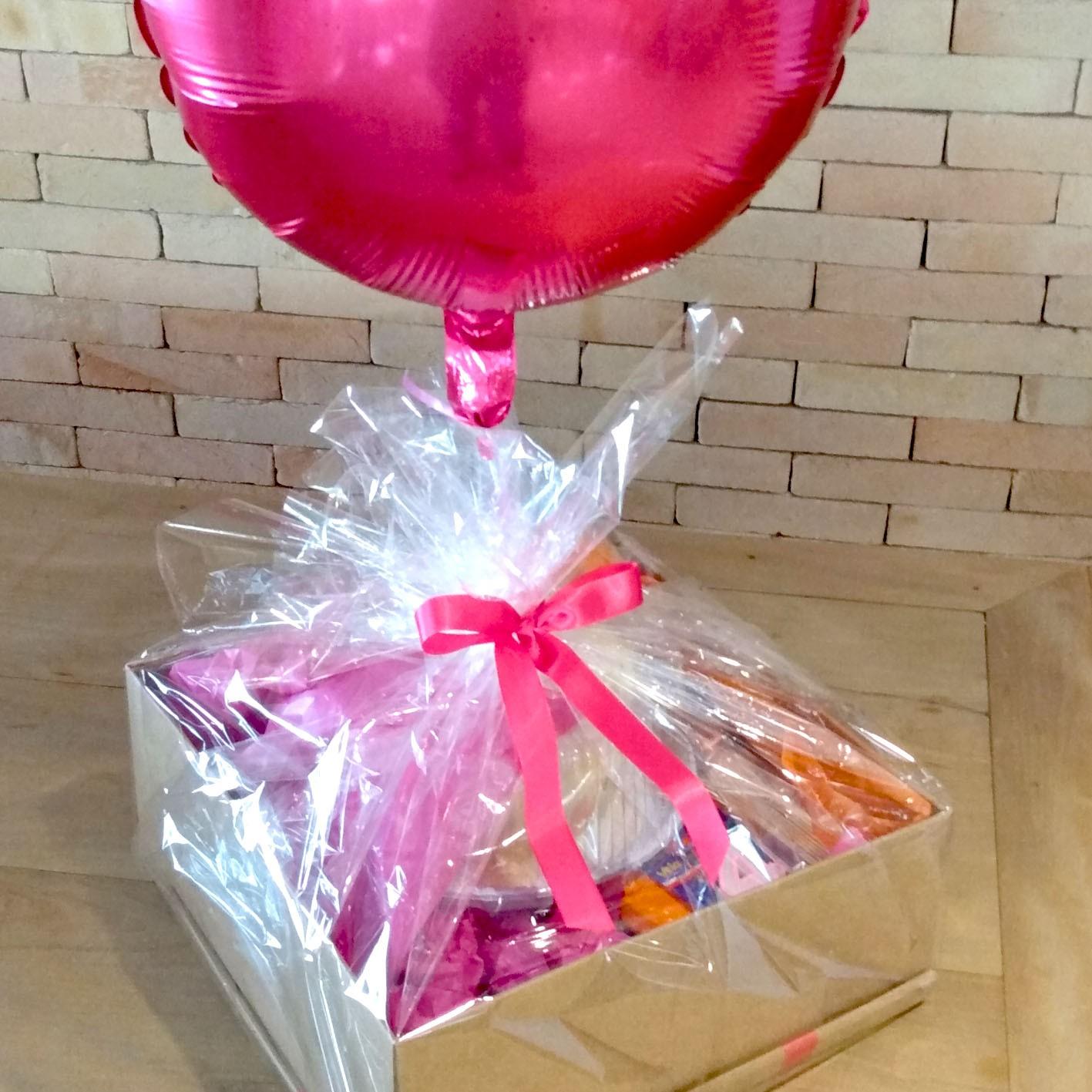 Kit festa na caixa para presente - com bolo 1kg