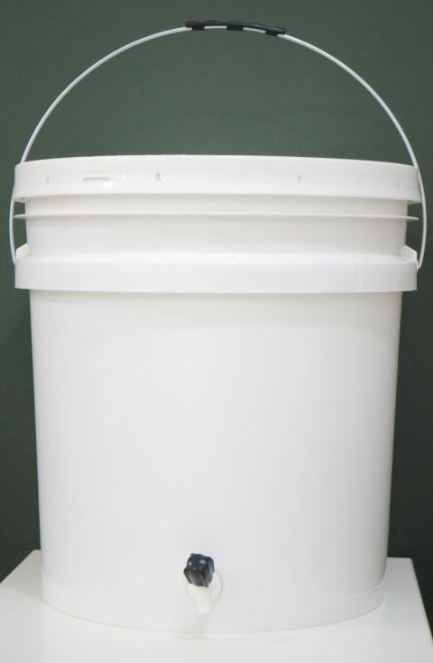 Balde Fermentador de plástico alimentício COM TAMPA -  30 litros
