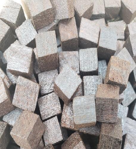 Cubos de madeira jaqueira - 10g