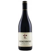 Vinho Australiano Brokenwood Cricket Pitch Red  35% Cabernet Sauvignon, 34% Merlot  22% Shiraz, além de 9% de outras cepas 2005(750ml)