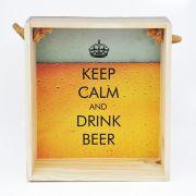 Quadro para coleção de bolachas de chopp com decoração: keep calm and drink beer