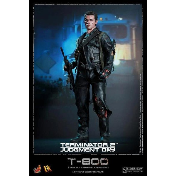 Hot Toys T-800 (Battle Damaged) DX-13  - Movie Freaks Collectibles