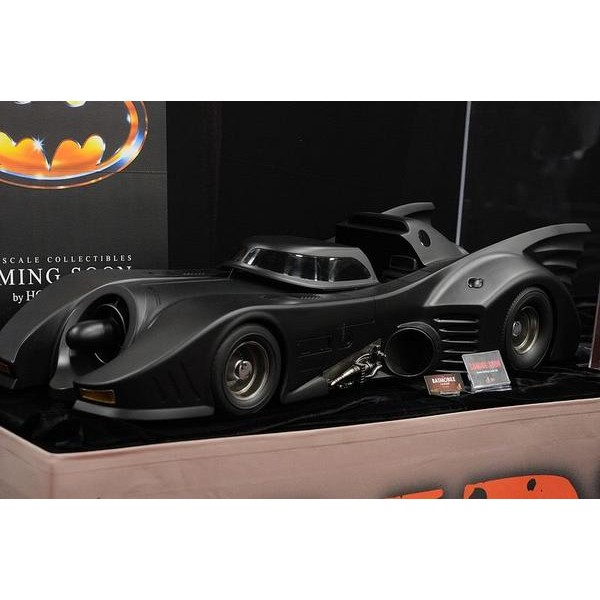 Hot Toys Batmobile - Batmovel (1989 Version)  - Movie Freaks Collectibles