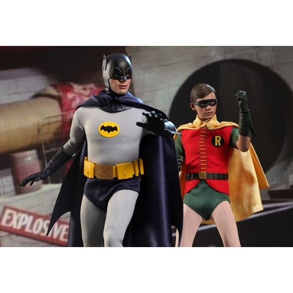 Hot Toys Robin 1966  - Movie Freaks Collectibles