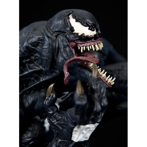 Sideshow Venom Comiquette - Movie Freaks Collectibles