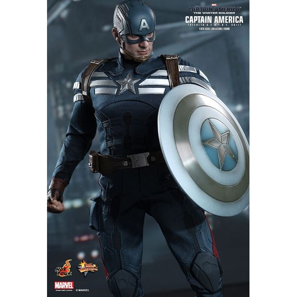 Hot Toys Marvel Capitão America The Winter Soldier e Steve Rogers  - Movie Freaks Collectibles