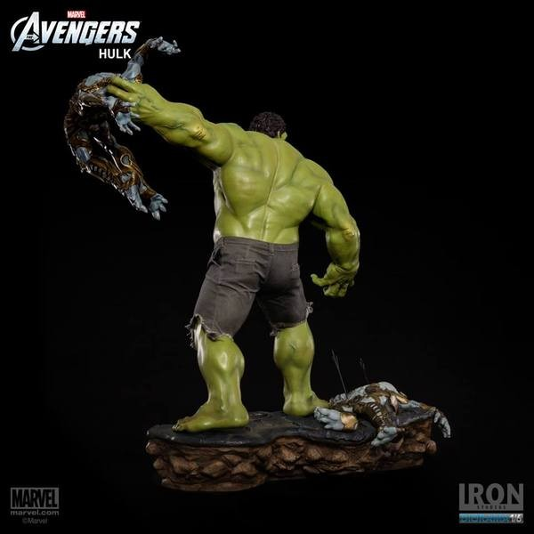 Iron Studios Hulk 1/6 Diorama The Avengers Battle Scene  - Movie Freaks Collectibles
