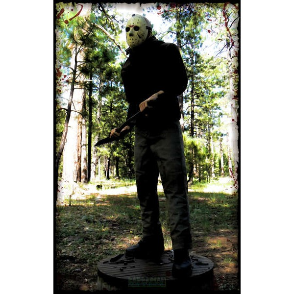 Sideshow Jason Voorhees Sexta-feira 13 Parte 3 Premium Format - Movie Freaks Collectibles