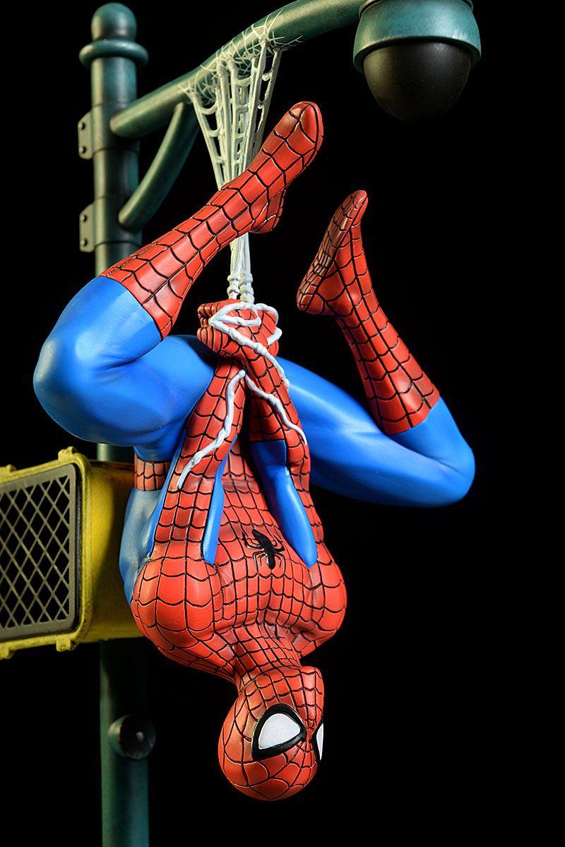 Gentle Giant Homem Aranha Collectors Gallery Statue - Escala 1/8  - Movie Freaks Collectibles
