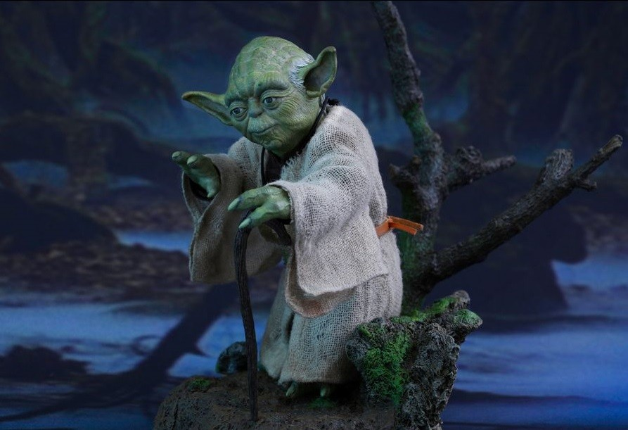 Hot Toys Star Wars Yoda Ep.5   - Movie Freaks Collectibles
