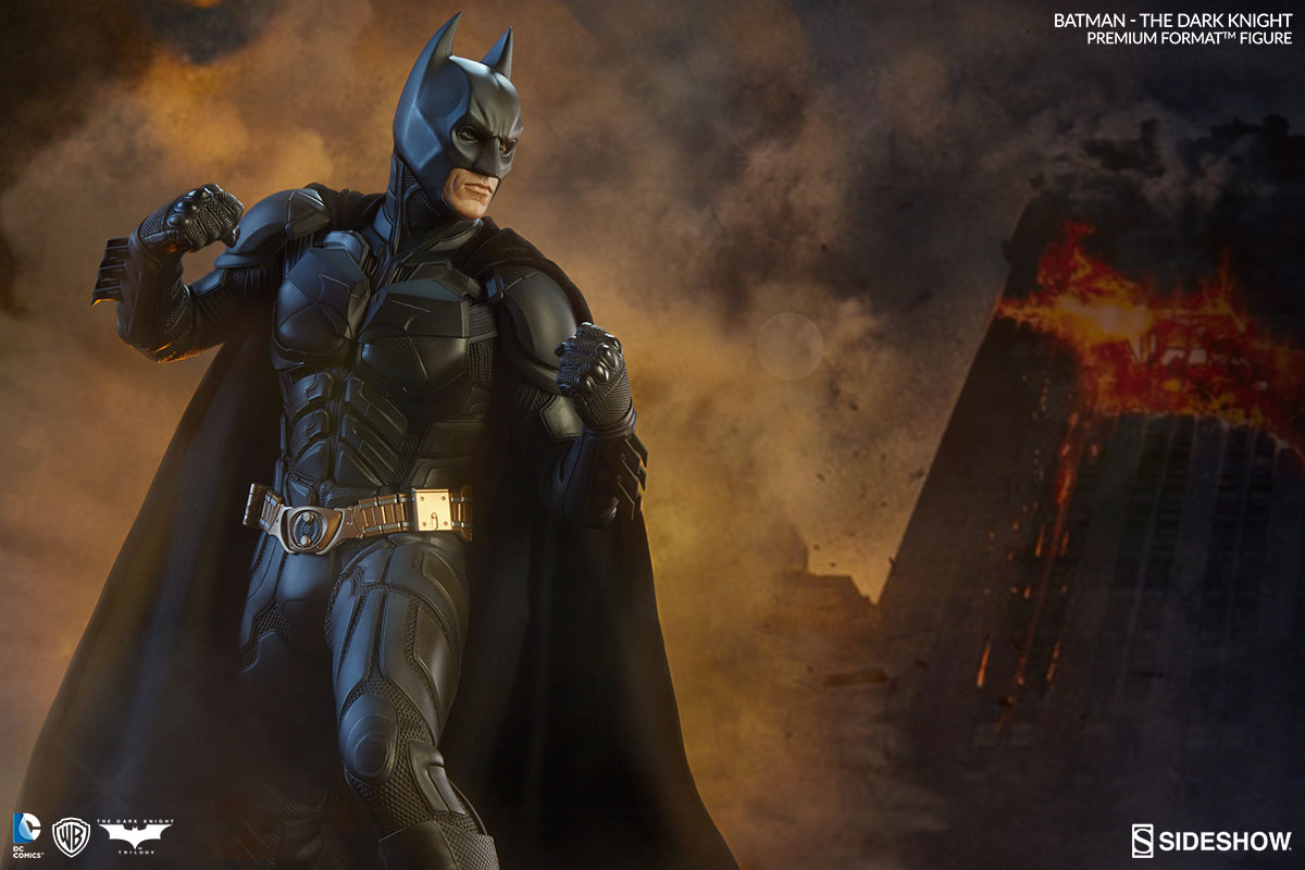 Sideshow Batman 'The Dark Knight' Premium Format EXclusive  - Movie Freaks Collectibles