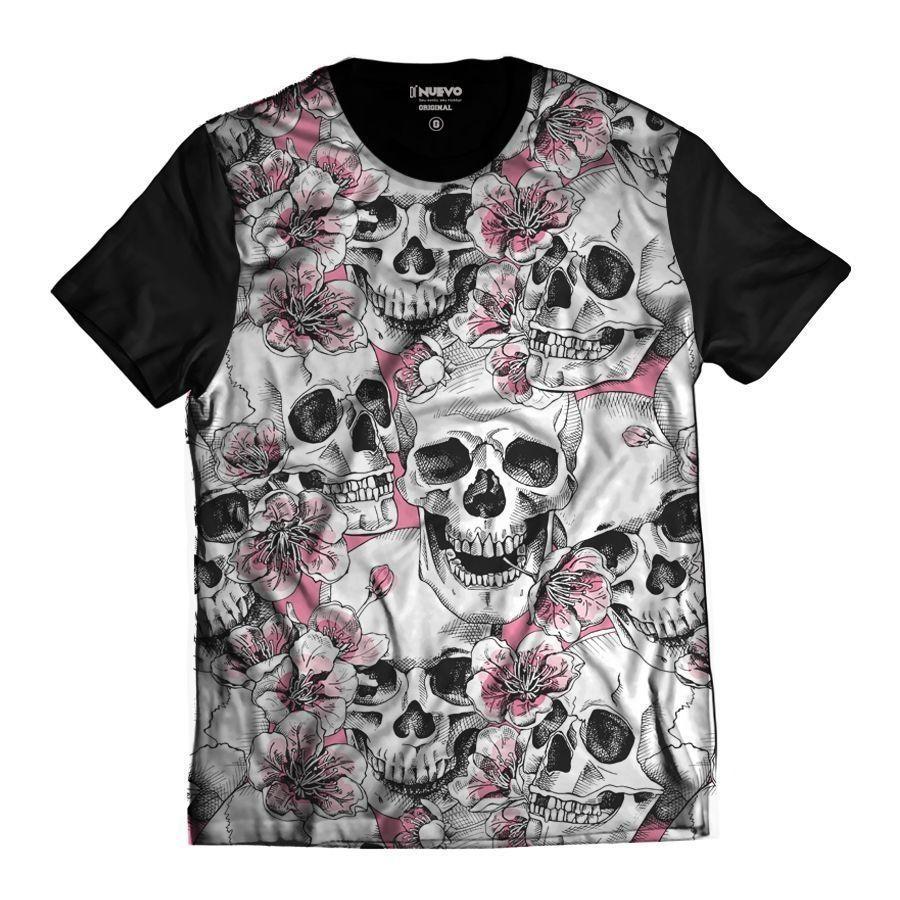 Camiseta Crânios de Caveiras Skull com Flores