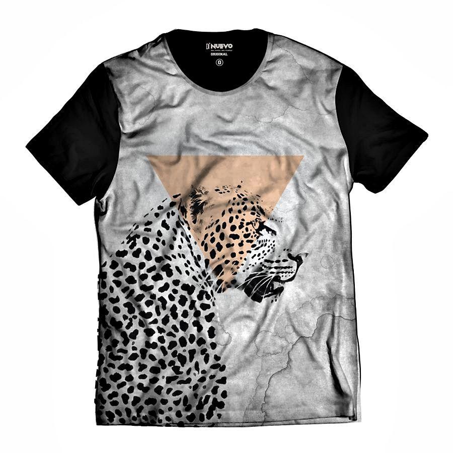 Camiseta Onça Pintada Selva Preta e Branca Animal