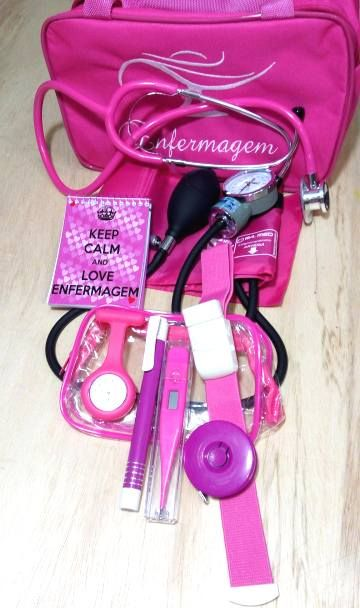 KIT ROSA CHICLETE COM BOLSA BORDADA