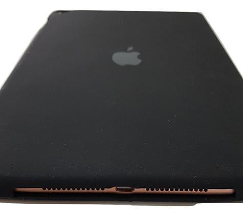 Capa para Ipad 6 Apple 9.7 Polegadas A1893 A1954 Traseira de Silicone Preta