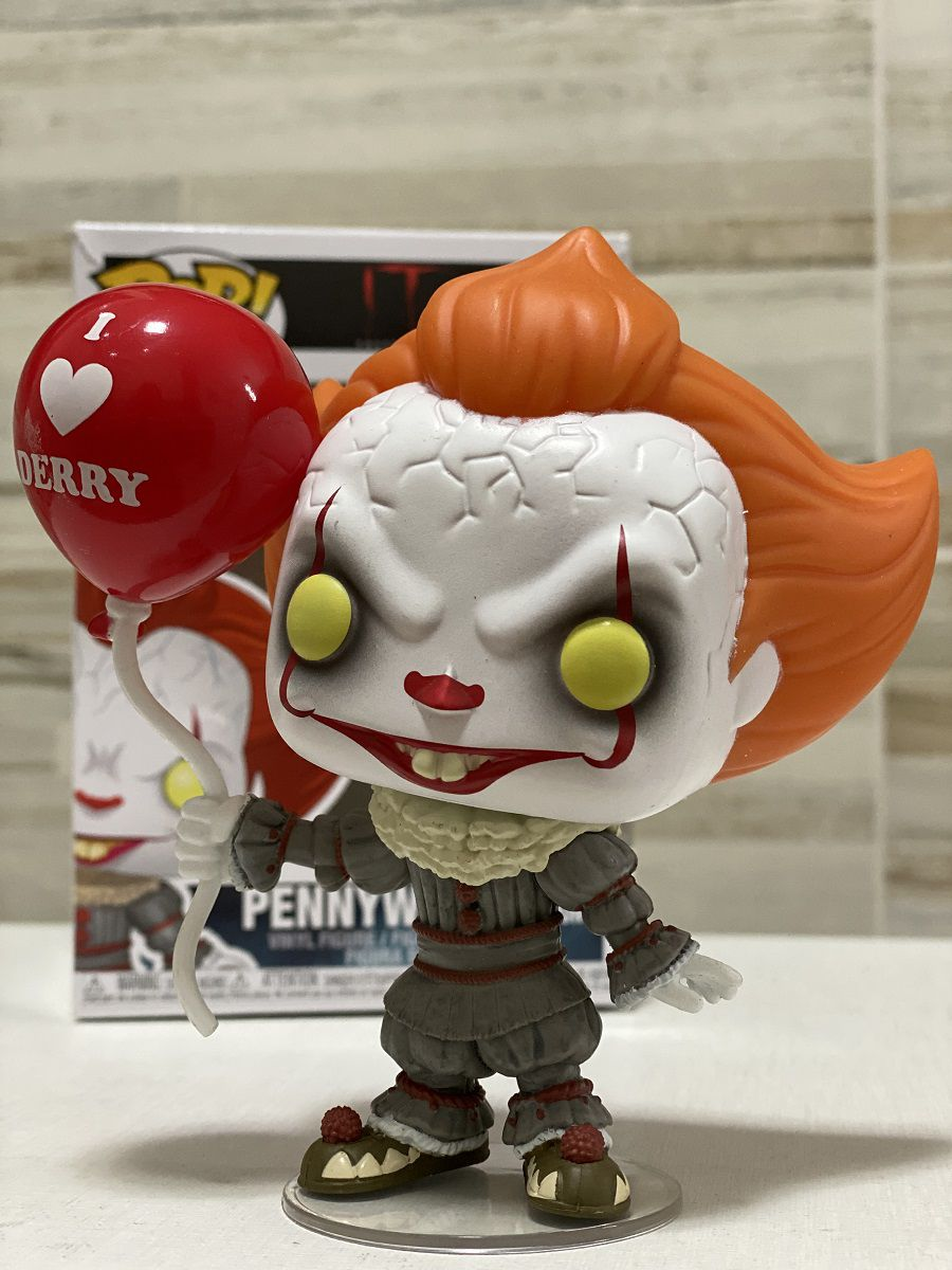 Funko Pop Pennywise with Balloon Movies Boneco Colecionável