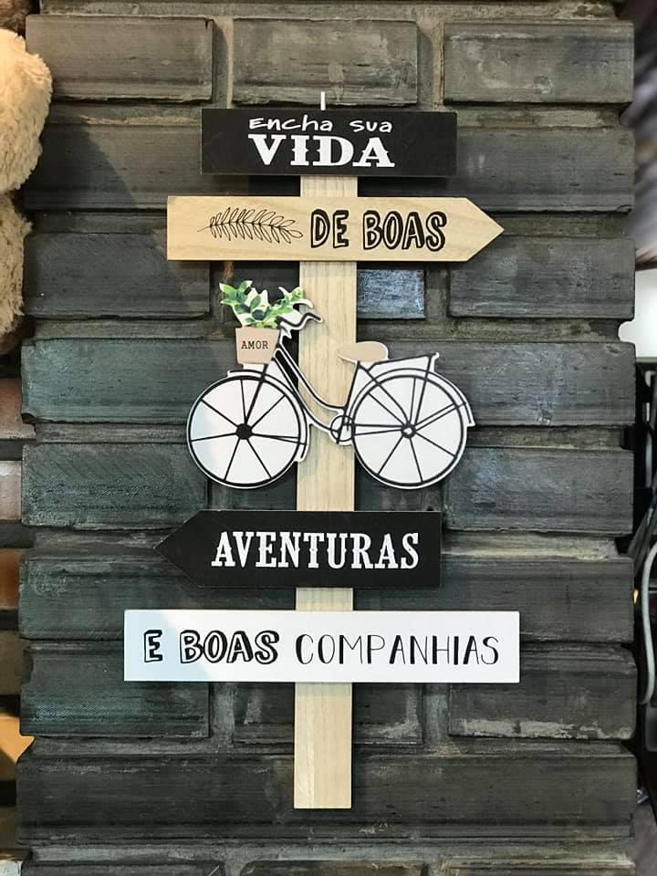 Placa Decorativa de Madeira Frases Motivação Boas Aventuras