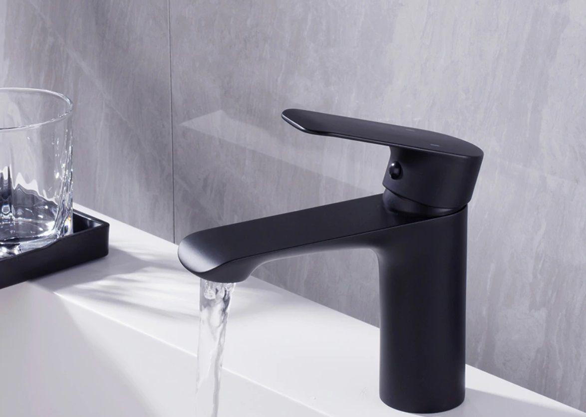 Torneira para Banheiro Preta Fosca Água Fria e Quente