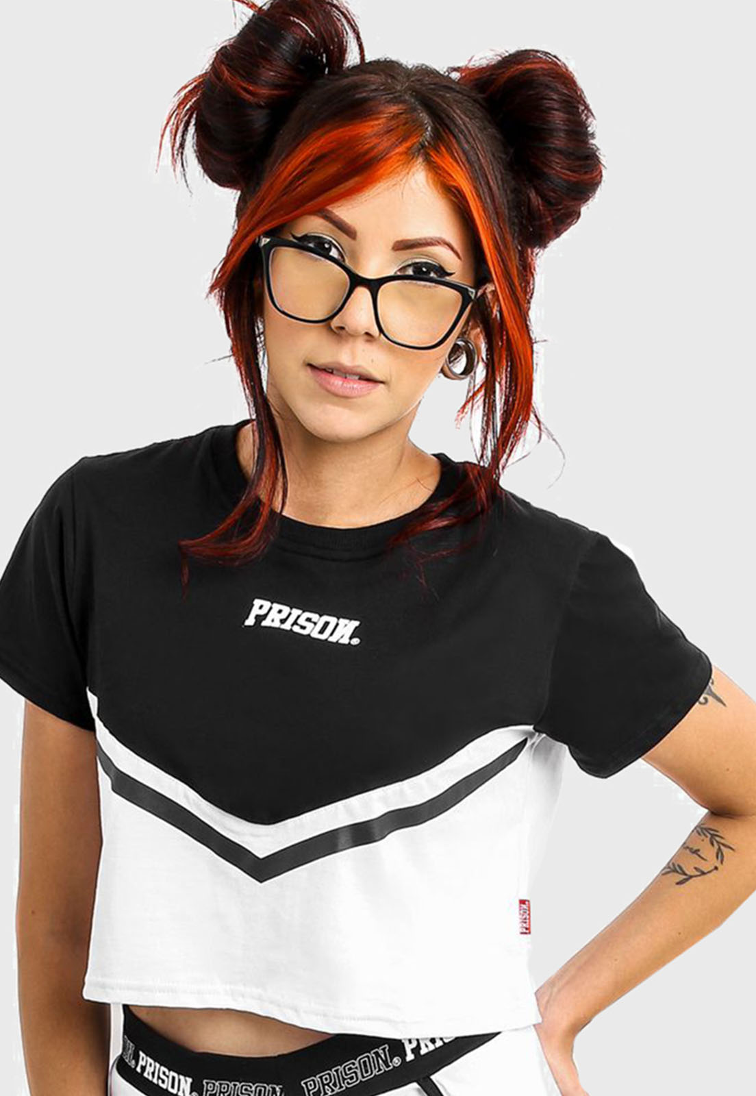 Camiseta Cropped Prison Fancy Black and White