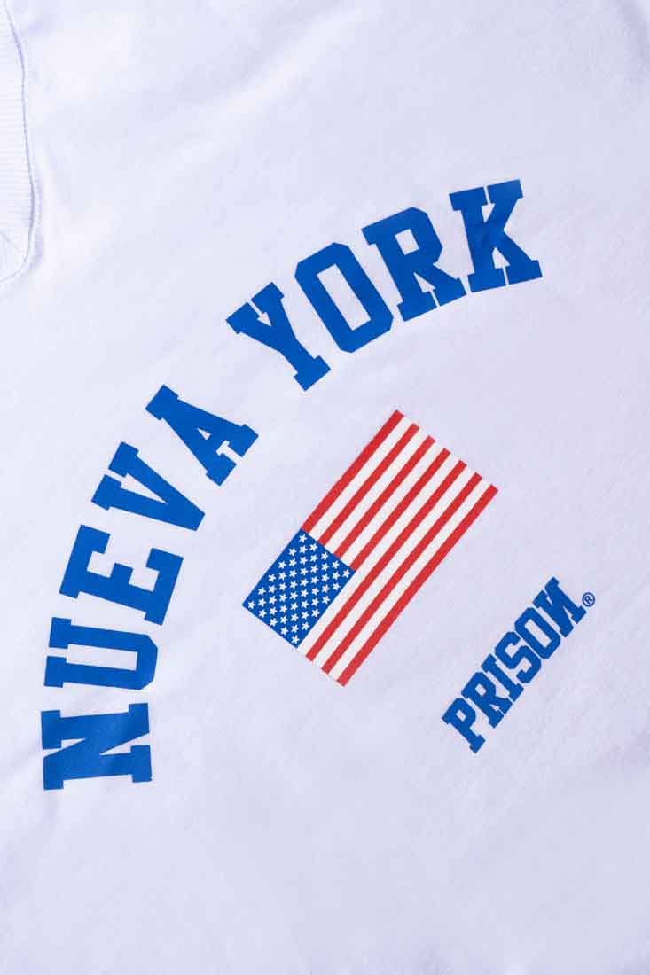 Camiseta Cropped Prison Feminina Nueva York Branca