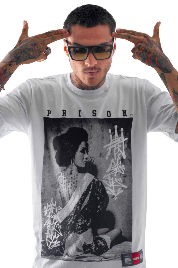 Camiseta Prison Japan Graffiti Branca