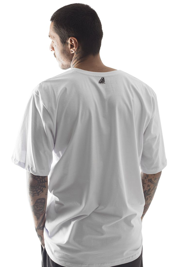 Camiseta Prison Thug Prayer Branca
