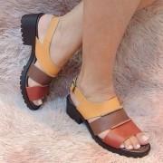 Sandália de couro tira grossa