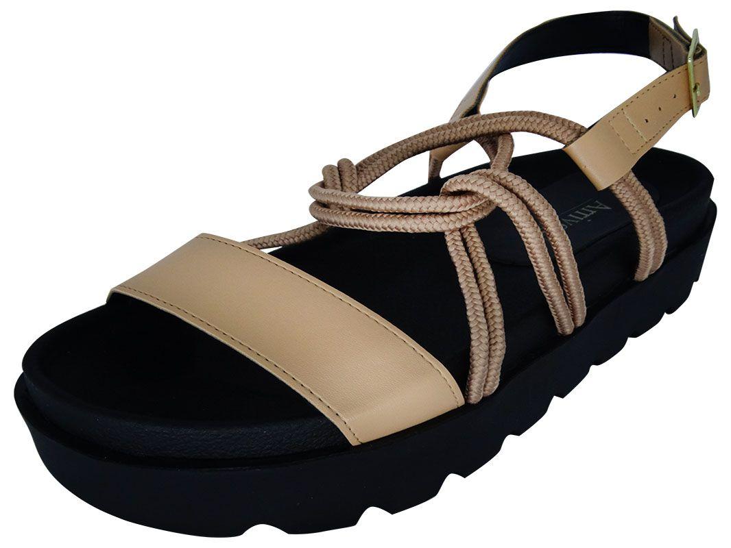 Sandália alta entrelaçada