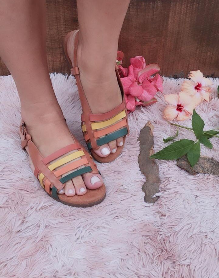 Sandália de couro tiras finas