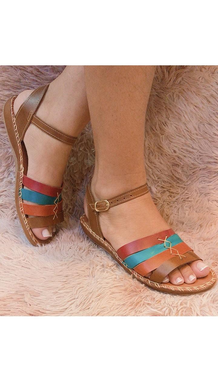 Sandália de couro semiaberta