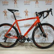 Bicicleta Speed OGGI Velloce Disc 2019 aro 700 - 16V Shimano Claris - Freio a Disco - Vermelho/Preto