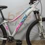 Bicicleta AKRON aro 29 - 9v SunRace com k7 11/50 dentes - Freio Shimano Hidráulico - Suspensão Rosso com Trava no Guidão