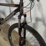 Bicicleta FIRST Smitt aro 29 - 24v MicroShift - Freio GTA Hidráulico - Suspensão BikeMax com Trava no Ombro