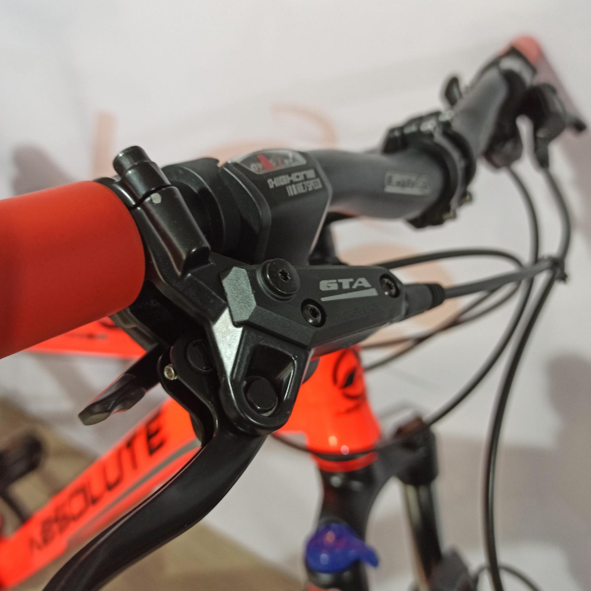Bicicleta ABSOLUTE Nero aro 29 - 14v MicroShift - Freio GTA Hidráulico - Suspensão BikeMax c/ trava no ombro