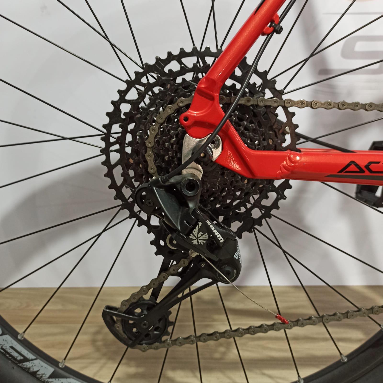 Bicicleta FIRST Active aro 29 - 12v Sram NX - Freio Shimano Hidráulico - Suspensão Absolute a AR