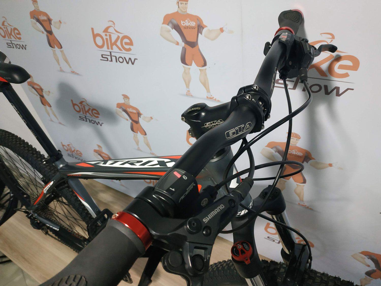Bicicleta FIRST Atrix aro 29 - 27v Shimano Altus -  Freio Shimano