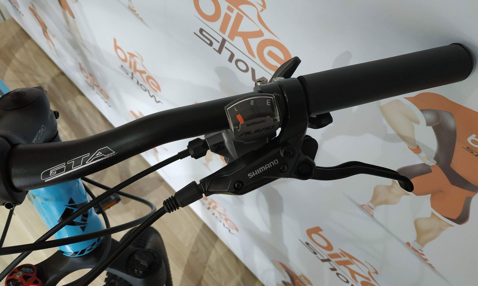 Bicicleta FIRST Lifty aro 29 - 27v Shimano Alívio - Freio Shimano Hidráulico - Suspensão GTA toda em alumínio trava ombro
