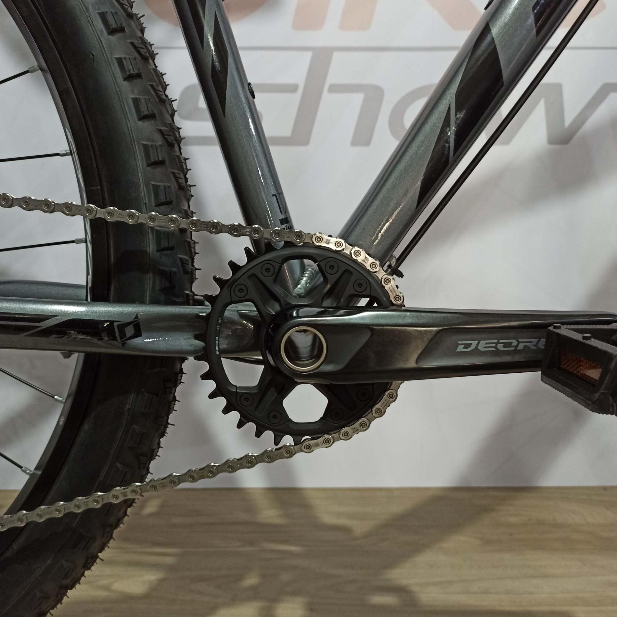 Bicicleta FIRST Lunix aro 29 - 12v Shimano Deore - K7 10/51 dentes - Suspensão Proshock Ultra XC a AR